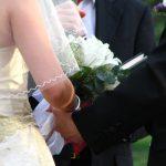 Hoe gedenk je een overleden dierbare op je bruiloft