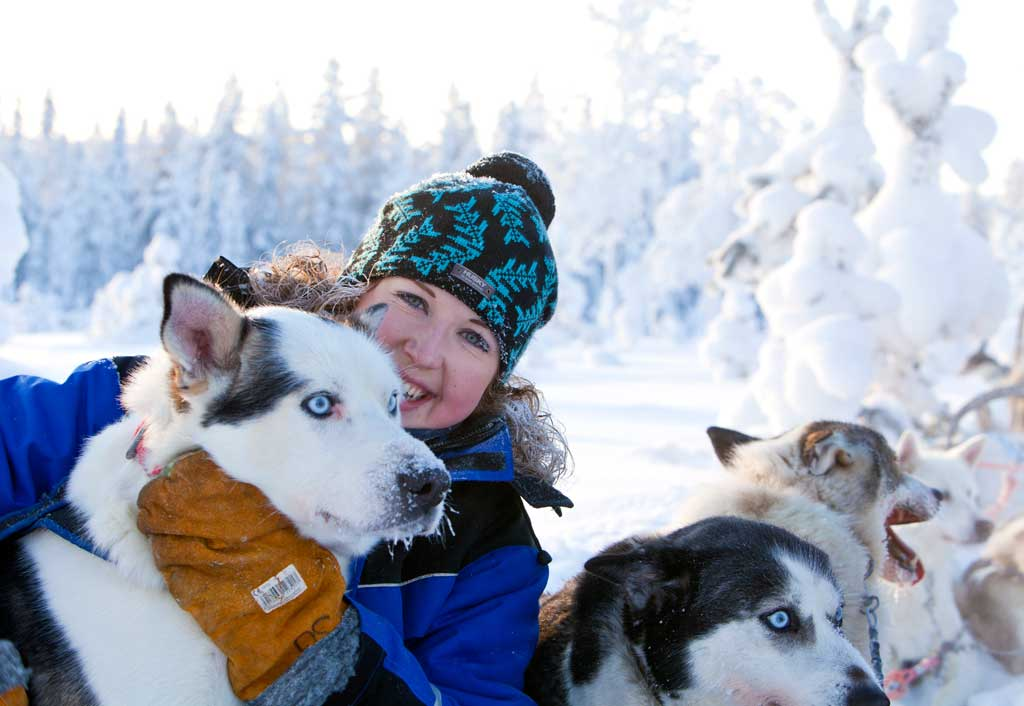 outi-with-huskies