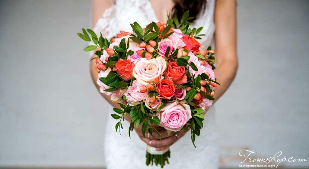 bruid-bruidsboeket-rozen