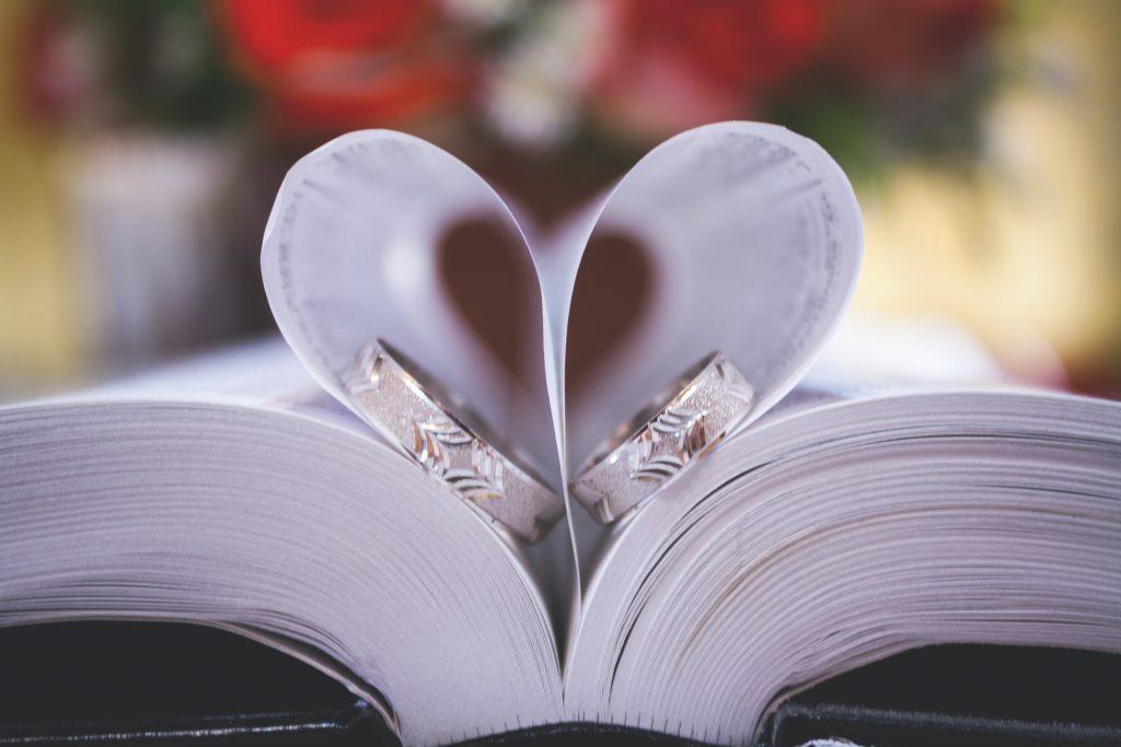 blur-book-close-up-decoration-288008